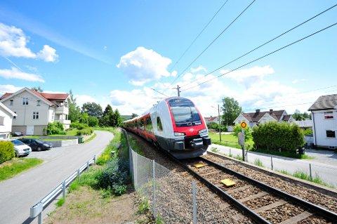 Nye tog: I starten av september kommer det første Flirt-toget på Gjøvikbanen. Foto: NSB