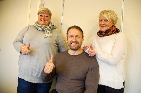TOMMEL OPP: Gunn Kristin Reinli, Shaqir Rexhaj og Hanne Magnussen viser tommel opp for BPA-ordningen.