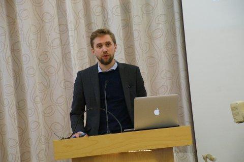 SKANDALØST: Lasse Lehre (H) ga tydelig uttrykk for sin bekymring over økonomien i Lunner kommune.
