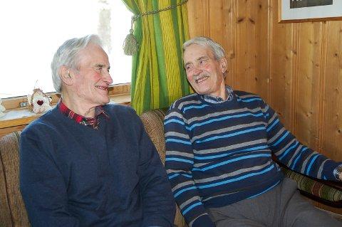 TVILLINGER: Torleif og Erling Myrdal er eneggede tvillinger. Det er noe de har lurt mange med opp igjennom åra.