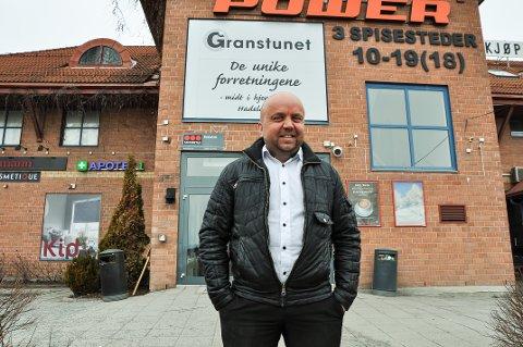 TØFT: Tor Ole Karlsen har troen på Gran som handelssted, men tilføyer at det er tøft å drive i bransjen. Dette bildet er fra da han ble ansatt som senterleder i 2018.