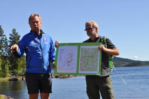 ULVEANGREP: Kjetil Ulset viste hvor ulven slo til på Hadeland i fjor sommer.