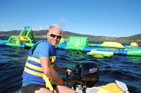 BADEPARK: Rune Kalleberg er strålende fornøyd med at badeparken tar form.