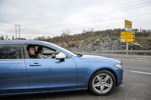 FORNØYD: Dag Kristian Moen Hæhre gleder seg over at trafikkopplæringen gir gyldig fravær fra videregående skole, med den nye regjeringen. Foto: Torunn Bratvold