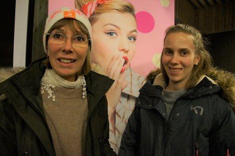 FLOTT TILTAK: Kari Hanne Bisgaard (56) hadde invitert med dattera Ingerid Wold (25) på jentekveld.