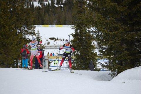 DEBUT: - Oda Støen Kolkinn (til høyre) synes det var spennende å prøve seg mot noen av verdens beste juniorer.