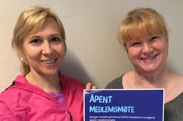 Hadde åpent møte: Anna Wysocka Røken (til venstre) og Kelly Galloway er begge engasert i Norges handikapforbund Hadeland.