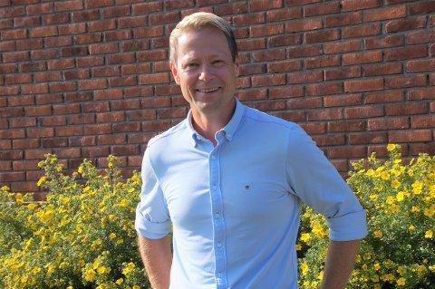 SITTER TRYGT: Ifølge den siste meningsmålingen sitter Harald Tyrdal fra Arbeiderpartiet trygt i ordførerstolen i Lunner.