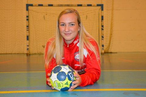 TRIVES: – Jeg stortrives i HHK, og lærer masse av trenerne, sier Isabelle Hultengreen som har banket inn seks mål i eliteserien så langt. Foto: Kristian Bjørneby