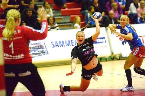 Charlotte Bisser og HK Halden tapte 22-28 for Vipers i Kristiansand onsdag kveld.