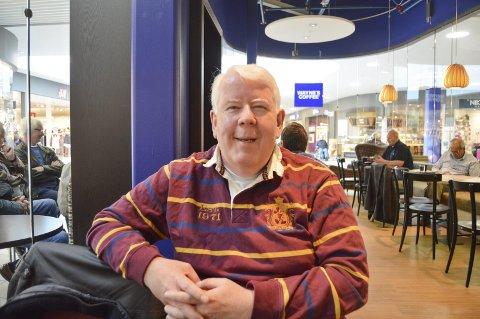 Terje Høvik: Liker seg godt der menneskene ferdes, selv der han jobbet seg selv syk. Foto:tom skjeklesæther