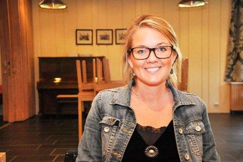 - Det er ingen logikk i at ikke toget skal stoppe på Kornsjø ved behov, sier Cecilie Agnalt.