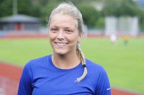 Spydtalent: Emilie Ingerø satte ny kretsrekord i spydkast. Rekorden lyder på 48,96 meter, og nå håper HIL-jenta å kaste over 50 meter.