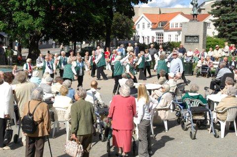 FLERE PENSJONISTER: Det er i dag 5.657 innbyggere i Halden kommune som tar ut alderspensjon. Som følge av pensjonsreformen som trådte i kraft 1. januar 2011, har antallet pensjonister økt kraftig de siste fem årene. Illustrasjonsfoto