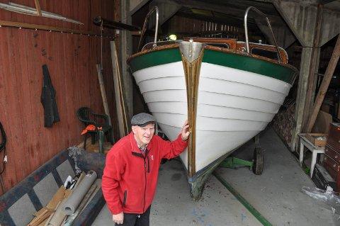SELVGJORT: Denne 30 fot store krysseren tegnet og bygde Ingar Lauritzen på Gimle gård. Den ble sjøsatt påskeaften i 1967, og  feirer dermed 50 årsjubileum.