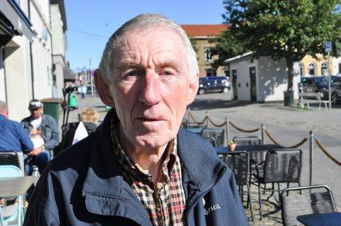 Kommunestyrerepresentant for Pensjonistpartiet, Nils Sagstuen, mener Halden bør ta i mot ti flyktninger i 2021.