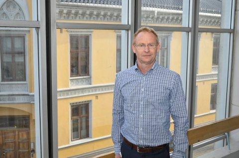 Rådmann Roar Vevelstad mener kommunen må finne løsninger for at en del av av de tradisjonelle oppgavene som det offentlige utfører i dag kan utføres av frivilligheten.