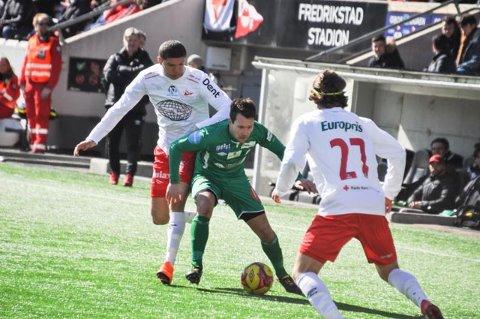 TRIVES: Mathias Engebretsen trives i sin dype midtbanerolle.