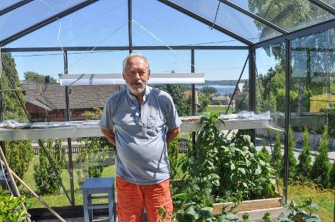 PENSJONIST: Etter 45 års tjeneste i Halden kommune og 55 år i jobb totalt, ble Thor Egil Sæthre pensjonist fredag.