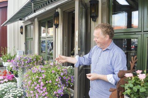 I det vennlige hjørnet: Jørn Johansen var absolutt i det vennlige hjørnet da Sverre Stang møtte ham.