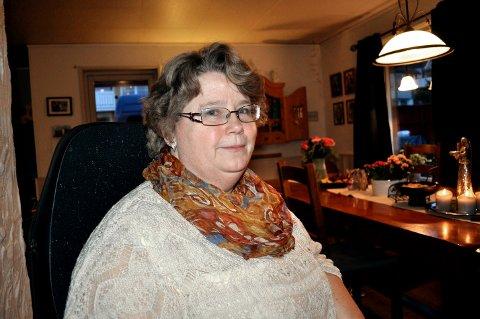 IKKE FORNØYD: Leder Anne Karin Johansen i Norges Handikapforbund Halden Aremark ønsker mer fokus på økt tilgjengelighet for alle pasientgrupper ved byens legekontorer.