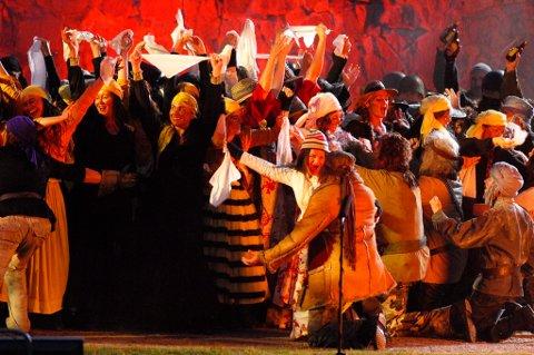 Bilde fra Il Trovatore, Trubaduren, på Fredriksten i 2007