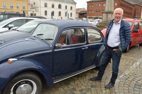 Alf Ole Rød med Folkevogna han har stort utbytte av å kjøre.
