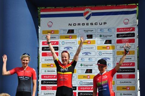 VANT SPURTEN: Fra NM-tittel i terrengsykling til seier på landeveien. Ikke rart Ingrid Bøe Jacobsen jubler.