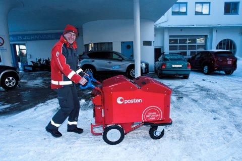 I BYEN: Slik er de fleste mest vant med å se Jan Olav - med posttralla i Hamar sentrum.
