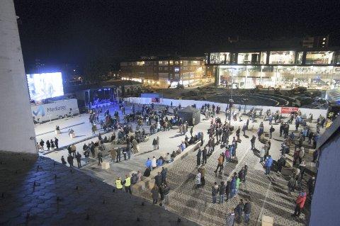 FEM ÅR SIDEN: Slik så det ut på Stortorget under åpningen av Hamar kulturhus. Foto: Jo E. Brenden