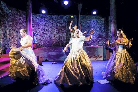 FINE TALL: Teater Innlandet satte blant annet opp suksessforestillingen «Kim F.» i fjor. Foto: Gisle Bjørneby