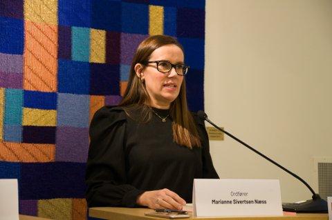 VAKSINERING: Ordfører Marianne Sivertsen Næss skulle ønske at vaksineringen av byens befolkning gikk litt kjappere. Foto: Trond Ivar Lunga