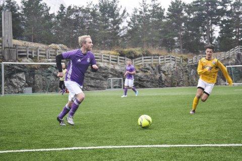 SISTE RUNDE: Hele 11 lag har i år kjempet i Terje Storhaug-ligaen. Lørdag spilles siste runde. Bildet er fra en kamp tidligere i år.