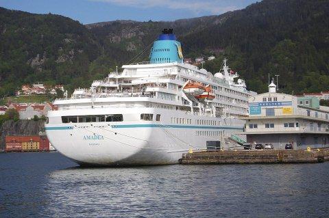 Kjem til Odda: «Amadea» blir å sjå i Odda to gongar i 2017. Her ligg skipet til kai i Bergen.