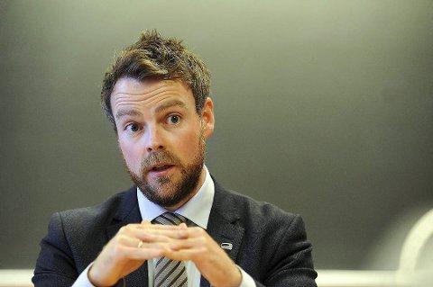 PÅ VIDEO I KINSARVIK: Næringsminister Torbjørn Røe Isaksen (H) vert med på konferansen i Kinsarvik, via video. Foto: Terje Pedersen/ANB