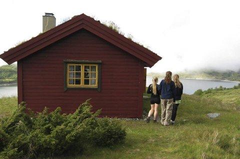 Grunneigarar med eigedomsrett i fjellet i Ullensvang kommune skal få lov til å søkja om å få byggja seg hytte for å forvalta rettar som til dømes beite, jakt og fiske. Grunneigarar med strandlinje kan søkja om å få byggja naust ved fjorden.  Illustrasjonsfoto: Berit Keilen, NTB scanpix