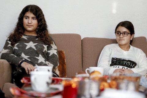 NY RUNDE: Hawjin (t.h.) og Nawjin Alinejad skjønner ikke hvorfor de skal sendes ut av Norge.