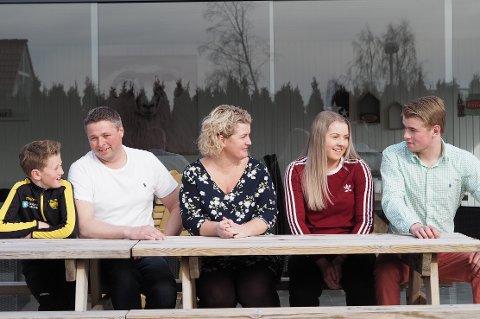 Elias (10), Roger (43), Anja (40), Tiril (16) og Ruben (18) drar til hytta ved byen Mountain View i USA flere ganger i året.