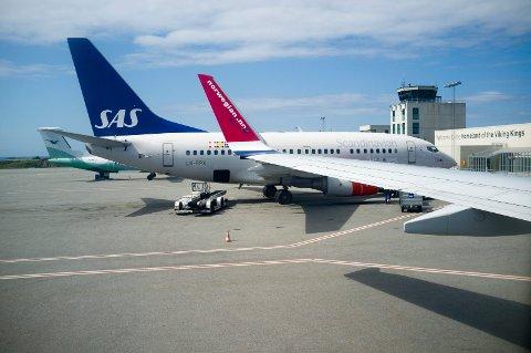 Karmøy 010714 Helganes Haugesund lufthavn tre flyselskap SAS Norwegian Widerøe