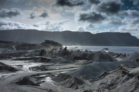 Slik så det ut i 2012, da Amrock og Veidekkes steinbruddvirksomhet gikk mot slutten. Allerede da var tanken om oppdrettsanlegg startet.