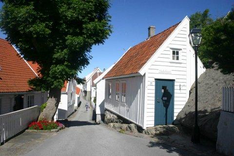 GAMLEBYEN: Foreningen Gamle Skudeneshavn får prisen Karmøyfiskaren 2019 for sitt vedlikehold av gamlebyen. Arkivfoto.