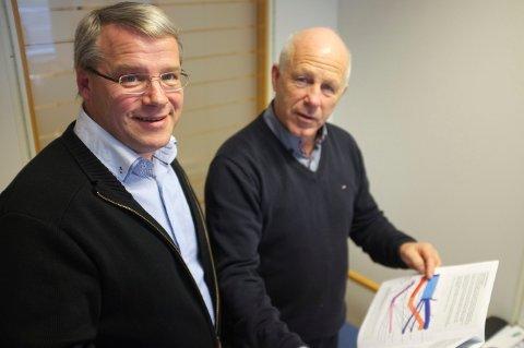 KONSERNSJEF: Rolf L. Sjursen leder den daglige driften i Berge Sag Gruppen AS. Her med tidligere leder i Haugesundregionens næringsforening, Egil Severeide.