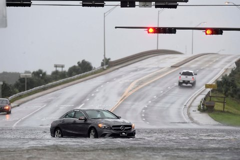 ORKANEN SALLY: Sally slo inn over kysten av Alabama natt til onsdag med en vindstyrke på opp mot 47 sekundmeter, ifølge USAs nasjonale orkansenter (NHC).