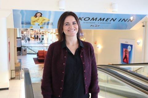SVÆRT GODT INNTRYKK: Senterleder Ann Elin Marthinussen har svært godt inntrykk av de nye eierne. Hun fortsetter som senterleder også etter salget.