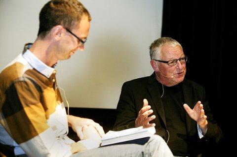 Bokbad på Petter Dass-dagene 2016. Tor Martin Leines Nordaas intervjuer Roy Jacobsen.