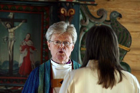 GJENSYN: Tidligere biskop Tor Berger Jørgensen har vært i Træna før. Nå skal han tilbake – som prestevikar.