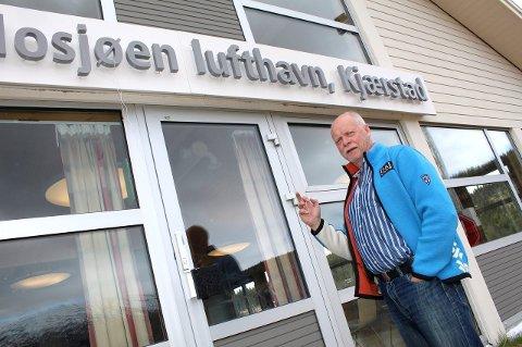 Beholde: Fylkets standpunkt vil ha stor betydning for å beholde flyplassen i Mosjøen, sier Jann-Arne Løvdahl. Han påpeker at ingen politikere vil legge flyplassen ned.