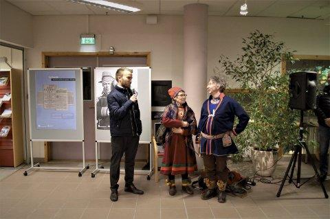 Takket: Co-produsent Jim Hansen (venstre) trakk frem Liillie Sparrok og Tom Kappfjell, som spilte bestemor og bestefar i filmen.