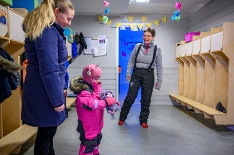 Jubilant: Kulstad barnehage feirer 30-års jubileum i år. Unni Norum har styrt plassen i alle disse årene. Kristine Fagerli (35) gikk i barnehagen som barn. Nå gjør datteren Mathilde Fagerli (3) det samme.