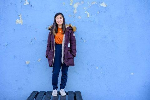 Dina Qian Tømmervik (16) er usikker på hva hun gjør om fem og ti år, men det kan tenkes at hun vil fordype seg i politikk for ungdom.